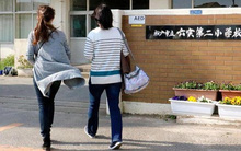 Trường tiểu học của bé gái Việt ở Nhật mở họp khẩn