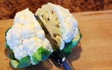 Hãy xem tuyệt chiêu tách bông cải trắng to đùng thành miếng vừa ăn chỉ bằng 5 nhát dao