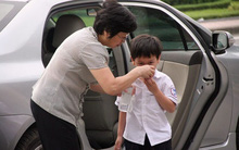 Đã đến lúc bố mẹ cần nhận ra việc không nên bao bọc con quá kỹ quan trọng như thế nào