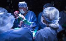 Dù sinh ra không có tử cung nhưng người phụ nữ này vẫn sinh được con như bao người
