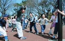 """Học cha mẹ Nhật kích thích """"hoóc môn hạnh phúc"""" cho con bằng những việc cực kì đơn giản"""