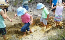 Muốn con thỏa sức khám phá thiên nhiên, bố mẹ không thể không biết điều này!