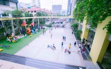 Trường mẫu giáo đầy ánh sáng và cây xanh