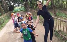 Cô giáo Hà Nội xinh đẹp dí dỏm kể kỷ niệm ngày đầu đi dạy: Khóc như mưa đòi hôm sau không đến trường