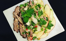 Đổi vị bữa cơm cuối tuần với món salad vịt cực hấp dẫn