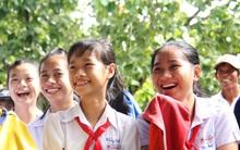 Trẻ em miền quê được giáo dục để tránh bị dâm ô trong phiên tòa giả định tại trường học