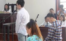 TP.HCM: Ngày mai tiếp tục xét xử vụ yêu bạn gái đồng tính, thuê người tạt axit để