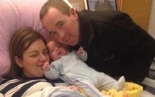Bà bầu tỉnh dậy giật mình khi thấy con đã chào đời được 10 ngày