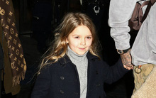 Harper tươi như hoa khi cùng cả gia đình trở về Anh quốc