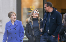 Jennifer Lopez đưa bạn trai kém 6 tuổi về ra mắt mẹ sau hơn 1 tháng hẹn hò