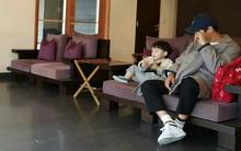Hé lộ hình ảnh giản dị đáng yêu của Song Joong Ki bên gia đình trong chuyến du lịch Nhật Bản