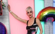 Katy Perry tiết lộ được tình cũ Orlando Bloom rủ cùng khỏa thân trên biển