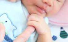 Bé gái 2 tháng tuổi tử vong khi ngủ cùng mẹ - thêm lời cảnh báo về hội chứng đột tử ở trẻ sơ sinh