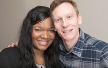 Chàng trai da trắng kết hôn với cô gái da đen, ai cũng sốc khi nhìn thấy con của họ