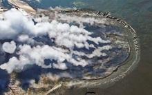 Ngọn núi kỳ lạ 11 năm liên tục phun trào ra bùn và đây chính là lý do