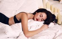 Bạn sẽ sốc khi biết những điều sẽ xảy ra với da mặt nếu đi ngủ mà không tẩy lớp trang điểm