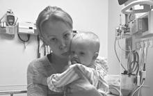 Lỡ tay đánh rơi khiến con trai nứt hộp sọ, 2 năm sau mẹ mới dám viết thư trải lòng