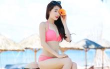 Nhã Phương diện bikini 2 mảnh, tự tin khoe đường cong bốc lửa