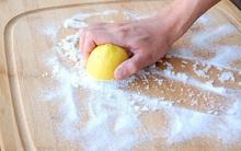 Không phải chị em nội trợ nào cũng biết sử dụng những mẹo nhà bếp cực hay ho với muối