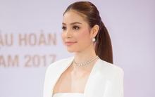 Hoa hậu Phạm Hương khoe ngực đầy trong chiếc đầm trắng