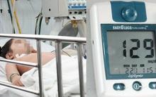 Bé gái hôn mê vì mẹ tự đo đường huyết rồi cho uống luôn thuốc hạ đường huyết của chính mình