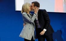Tình sử của tân Tổng thống Pháp tất cả chỉ có thế: Mối tình đầu thoảng qua và niềm