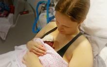 Khoảnh khắc hạnh phúc ngắn ngủi của người phụ nữ buộc phải sinh con ở tuần thứ 19