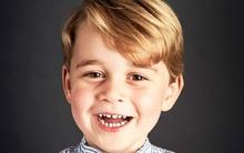 Hoàng tử bé Anh Quốc cười tươi rạng rỡ trong ảnh chân dung mừng sinh nhật lần thứ 4