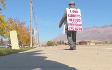Ông lão 74 tuổi mỗi ngày đi lang thang hàng cây số để tìm thận cứu vợ