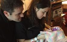 Chấp nhận vô sinh và sinh con bị dị tật, tôi sững sờ khi ẵm đứa bé trên tay…