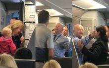 Thêm một hãng hàng không Mỹ kiếm chuyện với hành khách?