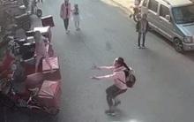Nữ sinh lớp 6 được ca ngợi vì cố gắng đỡ bé 2 tuổi rơi từ cửa sổ tầng 3