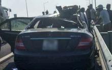 Mercedes đâm vào đuôi xe tải trên cao tốc Hà Nội - Hải Phòng, 2 người tử vong