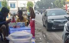 Câu chuyện đẹp: Đâm vào xe hơi, người đàn ông đi xe máy không phải đền tiền mà còn được mời đi ăn sáng