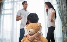 """Tự hỏi bản thân 4 câu này nếu bạn vẫn nghĩ """"vì con nên không dám ly hôn"""""""