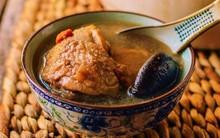 Cuối tuần bồi bổ cả nhà với món canh gà hầm nấm ngọt thơm nhé!