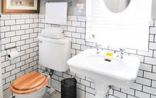Đây là lý do để bạn nên đặt một tấm thớt vào trong phòng tắm