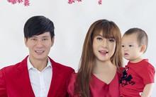 Lý Hải - Minh Hà đỏ rực sắc xuân, nhí nhố chụp ảnh cùng các con