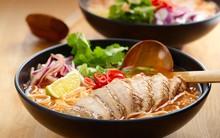 Bữa tối mùa đông chỉ cần tô mì sườn nóng hổi cũng đủ ấm lòng