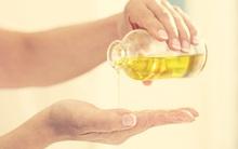 Nếu chưa bao giờ rửa mặt bằng dầu, bạn hãy thử đi rồi sẽ nghiện cho mà xem!