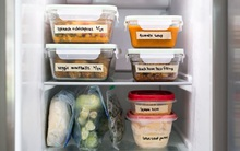 """Tủ lạnh nhà tôi luôn gọn gàng, ngăn nắp chỉ nhờ 1 vật """"gia truyền"""" từ mẹ chồng"""