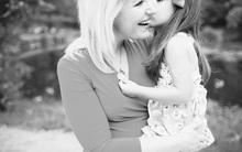 Ai cũng nghĩ bức ảnh mẹ con này ngập tràn hạnh phúc nhưng thực ra thì không phải vậy