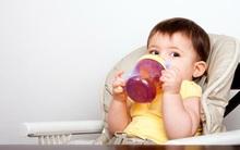 Mẹ có biết: Trẻ dưới 1 tuổi không nên uống nước trái cây