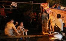Hà Nội: Nổ lớn gây mất điện, hàng chục người dân lao ra đường tránh nóng
