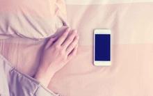 Thêm 1 phút xem điện thoại trước khi đi ngủ, tác hại không ngờ
