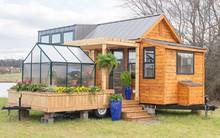 Bạn đã biết gì chưa: Giấc mơ về ngôi nhà nhỏ di động có nhà kính trồng hoa đã không còn khó thực hiện