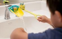 Khuyến khích con tự lập, chăm rửa tay hơn nhờ bộ máng mỏ vịt đáng yêu