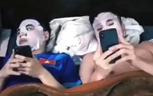 Các chàng trai U23 giờ còn rủ nhau đắp mặt nạ dưỡng da