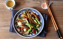 Cỗ bàn mãi cũng chán, mùng 4 Tết nấu cá khô rim tỏi ớt ăn cơm chắc chắn ai cũng mê