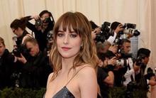"""Dakota Johnson: Từ cô bé kém sắc đến mỹ nhân gợi cảm của """"50 sắc thái"""""""